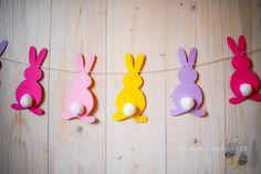 DIY Easter bunny garland, Velikonoční závěs #Easter #DIY #ideas #Craft ideas #decorations #Home decor #projects #paper #Easy #Deko #tutorials #pattern #Creative #bunny #garland #Velikonoce #Velikonoční #dekorace #tvoření #s #dětmi #inspirace #z #papíru #návod #girlanda #zajíček #závěs #postup #králík #zajíc #výroba #vyrábění #šablony Crazy Hat Day, Crazy Hats, Diy Easter Decorations, Paper Decorations, Felt Crafts, Easter Crafts, Diy Crafts For Kids, Kids And Parenting, New Baby Products