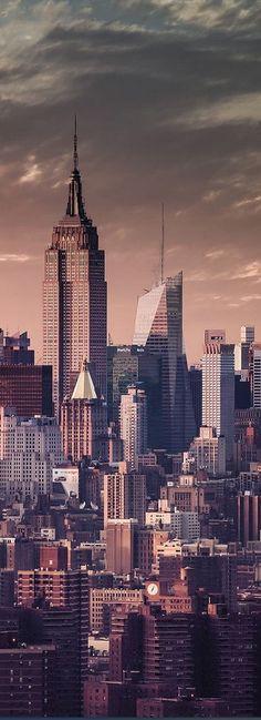 (Empire State Building, New York, USA) Terwijl Fin in Spanje zit, maken zijn ouders een rondreis door Amerika.