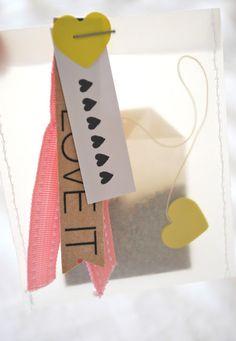 mamas kram: It's tea time-nice way to wrap as a gift! Paper Tags, Diy Paper, Paper Crafts, Diy Crafts, Craft Packaging, Pretty Packaging, Bag Packaging, Diy Instagram, Tea Gifts