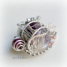 Come incastonare una pietra Wire Wrapping | Ciondolo Ametista Ho ripreso la lavorazione di questo ciondolo che avevo lasciato incompiuto...