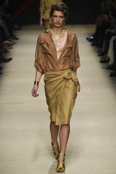 Alberta Ferretti - Spring Summer 2016 Ready-To-Wear - Shows - Vogue. Spring Summer 2016, Spring Summer Fashion, Spring Outfits, Urban Fashion, Boho Fashion, Autumn Fashion, Fashion Design, Alberta Ferretti, Fashion 2017