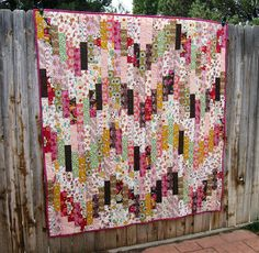@Melissa Corry  (Happy Quilting) has a gorgeous new quilting tutorial for both beginners and experienced quilters. Make a design similar to a bargello quilt using strip quilting and chain piecing.