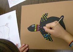 Zilker Elementary Art Class: February 2012 - aboriginal paintings - like how… Aboriginal Dot Painting, Aboriginal Art Kids, Kunst Der Aborigines, 4th Grade Art, Fourth Grade, Grade 3, Ecole Art, School Art Projects, Art Lessons Elementary