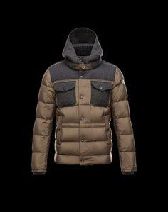 MONCLER LEBLOND  Moncler signe pour vous la veste doudoune de mi-saison.  Pendant la saison froide, elle peut également se glisser sous votre manteau pour une chaleur optimale.  €320, Jusqu'à -80%  Acheter maintenant: http://www.monclerfr.com/moncler-solde.html