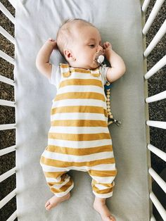 Collection of toddler overalls and underwear designed for sturdiness and make the baby comfortable. Begin the process of exploring now! Baby Boy Fashion, Toddler Fashion, Kids Fashion, Baby Boys, Toddler Boys, Carters Baby, Baby Gap, Diy Bebe, Baby Boy Shoes