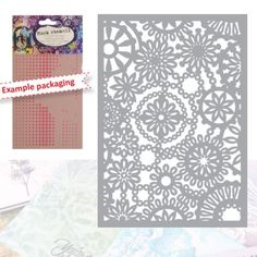Sablon Mask stencil A5 Flower, ideal in proiectele creative ce implica lucrul cu aerografe, markere, tusuri, culori, vopseluri sau cerneluri, in mixed-media, home-decor sau cardmaking. Sablonul este flexibil, fiind confectionat din matrial acril. Masoara 148 x 210 mm.
