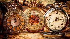 Swinging Pendulum Clock