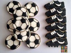 ....::::.... Bienvenido a Mamala... mi diario de cocina Soccer Cookies, Soccer Snacks, Soccer Cake, Cut Out Cookies, Cute Cookies, Cupcake Cookies, Soccer Birthday Parties, Soccer Party, Boy Decor