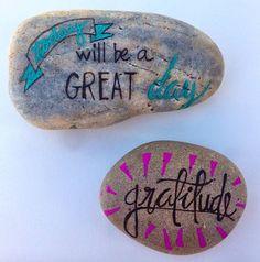 follow-the-colours-pedras-projeto-word-rocks-07.jpg (620×626)