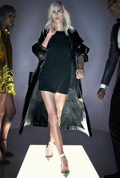 Tom Ford troca desfile por apresentação em vídeo com Lady Gaga - Vogue   Desfiles