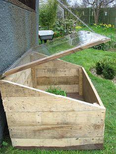 Amazing Creative Wood Pallet Garden Project 50