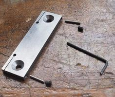 Get the latest hacks here Metal Working Machines, Metal Working Tools, Metal Tools, Metal Mill, Metal Shop, Milling Machine, Machine Tools, Workbench Clamp, Popular Mechanics