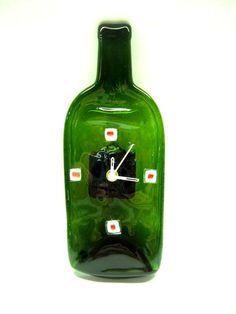 4c7d1054255 relógio decorativo   vidro de garrafa - para parede verde branco vermelho  ponteiros brancos PRODUTO RECICLADO R 39