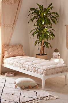 neutral tufted daybed
