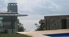 JOMFRULAND-by sea Flat Design, Flat Screen, Cabin, Architecture, Outdoor Decor, Sea, Home Decor, Little Cottages, Modern