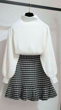 Any slim girl will be gorgeous in this outfit Kawaii Fashion, Cute Fashion, Look Fashion, Fashion Check, Fashion Fashion, Trendy Fashion, Fashion Styles, Fashion Ideas, Korea Fashion