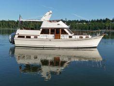 La Belle Tri Cabin Trawler