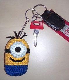 Minion Schlüsselanhänger von HäkelLust auf DaWanda.com