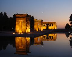 Templo de Debod, best place to hang out and drink at night.