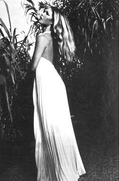 Paris Vogue November 1971,Brigitte Bardot by Sveeva Vigeveno    this would work as a future belly dress :)