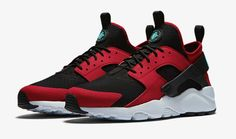 Nike Air Huarache Ultra debuts in Red and Black Me Too Shoes, Men's Shoes, Nike Shoes, Sneakers Nike, Black Sneakers, Nike Air Huarache Ultra, Huarache Run, Mens Athletic Fashion, Adidas Boots