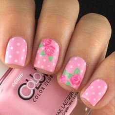Daisies - Pink Nails | Check out  for more inspiration!