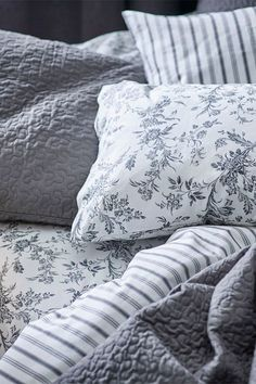 Upgrade the way you start and end your day with the IKEA ALVINE KVIST duvet cover set. With a pattern that was first created in the 1700's and is now kept at Musée de l'Impression sur Etoffes in France, your bed will look like a crisp, cool bed of french flowers.