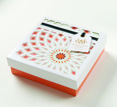 Luxury soaps enveloped in paper engineered boxes. These boxes are multi-layered, intricate die cuts that create an illusion of depth. Flower Packaging, Cosmetic Packaging, Brand Packaging, Box Packaging, Packaging Design, Branding Design, Sweet Box Design, Luxury Soap, Creativity And Innovation