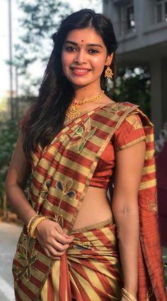Beautiful Girl Indian, Beautiful Girl Image, Most Beautiful Indian Actress, Beautiful Saree, Beautiful Women, Beauty Full Girl, Beauty Women, Green Hair Girl, Saree Photoshoot
