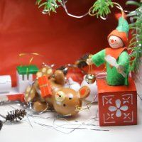 Tips for Tackling the Holidays With a Traumatic Brain Injury Stress And Anxiety, Getting A Massage, Traumatic Brain Injury, Merry Christmas, Christmas Ornaments, Passion Flower, Beeswax Candles, Going To The Gym