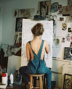 What is Your Painting Style? How do you find your own painting style? What is your painting style? Fotografie Hacks, Artist Aesthetic, Art Studios, Artist At Work, Photography Poses, Painting, Photoshoot, Artsy, Pictures