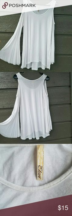Elan White Flare-sleeve Top Gorgeous flared sleeves with shoulder cut-outs  Feel free to ask me any additional questions! Happy Shopping! Make me an offer! Nordstrom Tops Tees - Long Sleeve