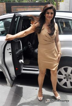 Raveena Tandon - Raveena Tandon Photos, Raveena Tandon Stills Bollywood Pictures, Bollywood Actress Hot Photos, Beautiful Bollywood Actress, Bollywood Fashion, Beautiful Actresses, Hollywood Actress Photos, Hollywood Heroines, Indian Celebrities, Bollywood Celebrities