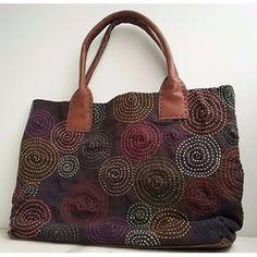 Handmade Handbags, Handmade Bags, Blue Jean Quilts, Kantha Stitch, Macrame Bag, Japanese Embroidery, Patchwork Bags, Bag Patterns To Sew, Denim Bag