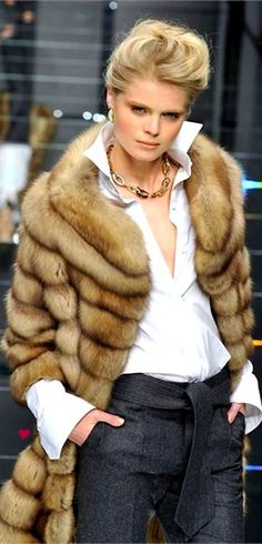 Love everything about this look: the trousers, white shirt, jewelry & coat!!