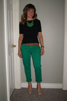 Green Chinos & Green SITC Flower Bib Necklace ~ Cute Summer Outfit http://sextoninthecity.ca/green-with-envy/