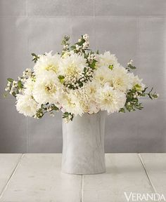 5 Beautiful White Flower Arrangements - Centerpiece Ideas
