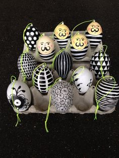 Mega Mussel Royal Copenhagen diy easteregg Easter Egg Crafts, Easter Bunny, Funny Eggs, Ukrainian Easter Eggs, Easter 2020, Types Of Craft, Egg Art, Craft Club, Spring Crafts