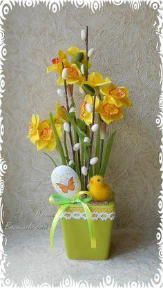 одноклассники Easter Flower Arrangements, Easter Flowers, Beautiful Flower Arrangements, Floral Arrangements, Easter Projects, Easter Crafts, Easter Season, Wedding Boxes, Flower Planters