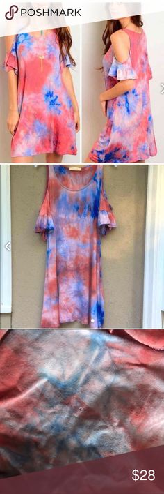 Orange blue tie dye cold shoulder boutique dress Worn once to an auburn game, purchased off of posh. Small snag on back of dress as pictured not even noticeable unless you're looking for it. Smoke free home. Not free people. Perfect for a rush event, tailgate, football game, or party! Free People Dresses