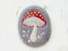These handmade brooches by Conieco