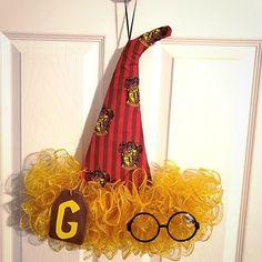 Harry Potter wreath; Hufflepuff aesthetic; Hogwarts Houses; Harry Potter aesthetic; harry potter room ideas; Harry Potter nursery ideas; deathly hallows wreath; harry potter wedding theme; harry potter birthday ideas;gryffindor aethetic; hogwarts aesthetic; harry potter ravenclaw; harry potter slytherin; harry potter gifts; harry potter gift ideas; harry potter home decor; pottermore; quidditch; jk rowling; hufflepuff gifts; harry potter bedroom ideas; harry potter gifts for women…