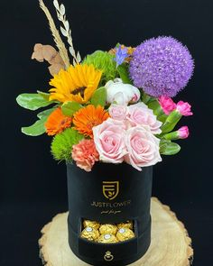 Fresh Cut Spring Flowers 💐 #springflowers #freshflowers #luxurybox #flowerarrangement #flowerdesign #justflowerch #justforyou Fresh Flowers, Spring Flowers, Flower Designs, Flower Arrangements, Just For You, Instagram, Floral Arrangements, Flower Line Drawings, Spring Colors
