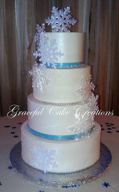 Elegant Christmas Wedding Cake with Snow Flakes,,or a winter wedding theme Snowflake Cake, Snowflake Wedding, Themed Wedding Cakes, Frozen Wedding Theme, Snow Wedding, Blue Wedding, Trendy Wedding, Elegant Wedding, Winter Torte