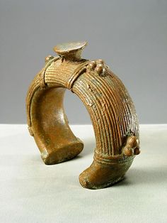 Africa   Bracelet from the Dogon people of Mali   Bronze    18th century   1,300$