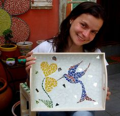 CURSO DE MOSAICO no Além da Rua Atelier Mosaic Tray, Mosaic Wall Art, Mosaic Glass, Mosaic Art Projects, Mosaic Crafts, Dot Art Painting, Tole Painting, Mosaic Furniture, Mosaic Stepping Stones