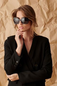 Forget the LBD, meet BBS: Big Black Sunglasses 😎 These gorgeous Celine shades are one of our favorite black sunnies 🖤 What do you think: yay or nay? Summer Sunglasses, Stylish Sunglasses, Sunglasses Online, Polarized Sunglasses, Cat Eye Sunglasses, Sunglasses Women Designer, Daily Wear, Boho, Studs