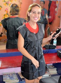 Risultati immagini per barberettes waiting for you Nylons, Blouse Nylon, Hair And Beauty Salon, Cut My Hair, Slip, Barber Shop, Apron, Hair Care, Overalls