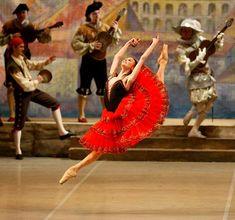 Queensland Ballet's Don Quixote   Google Image Result for http://1.bp.blogspot.com/--AnXuylsB1g/TsLewa9QE3I/AAAAAAAAAAw/2TZAxmgyuiI/s1600/dy_don_quixote_svetlana_zakharova_jump_bend_500.jpg