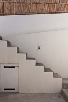 #exteriorstair #stromboli Exterior Stairs, Stromboli, Home Decor, Shopping, Buildings, Outdoor Stairs, Decoration Home, Room Decor, Outside Stairs